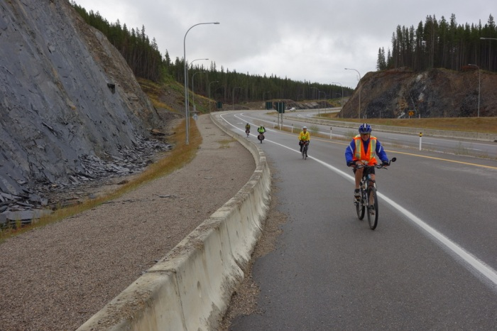Up the hill and onto the Icefield Parkway!