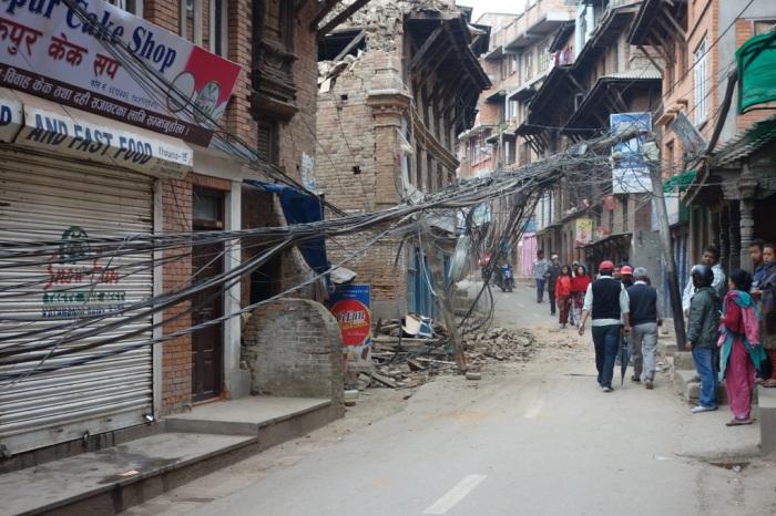 People avoid fallen wires