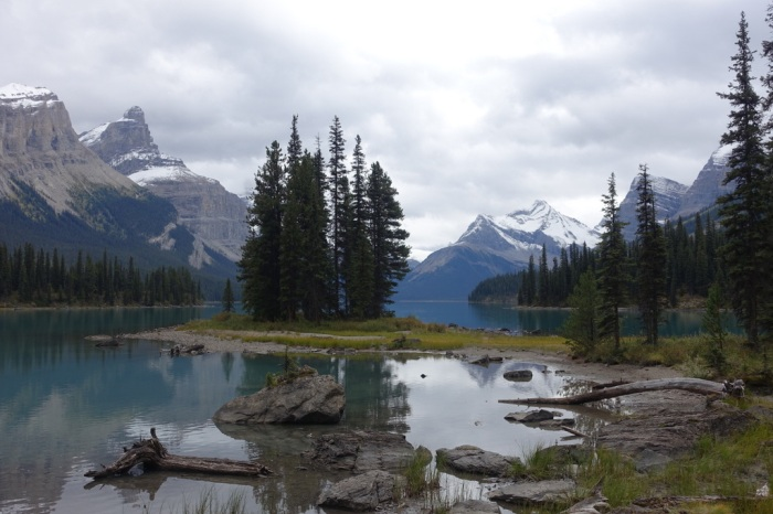 Spectacular Maligne Lake – a canoeist's dream