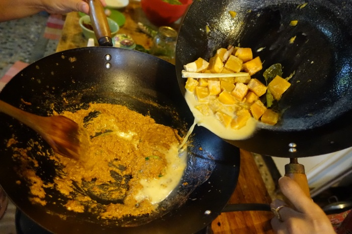 Cooking Geng Gari Fak Tong curry