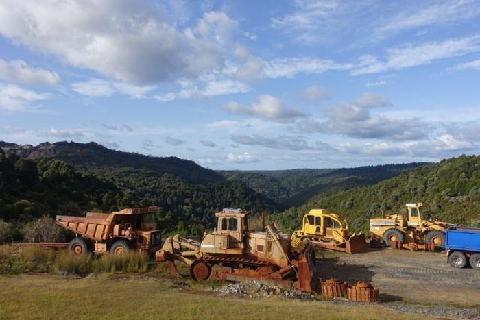 Mining equipment in Waratah