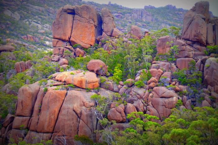 Boulder stacks