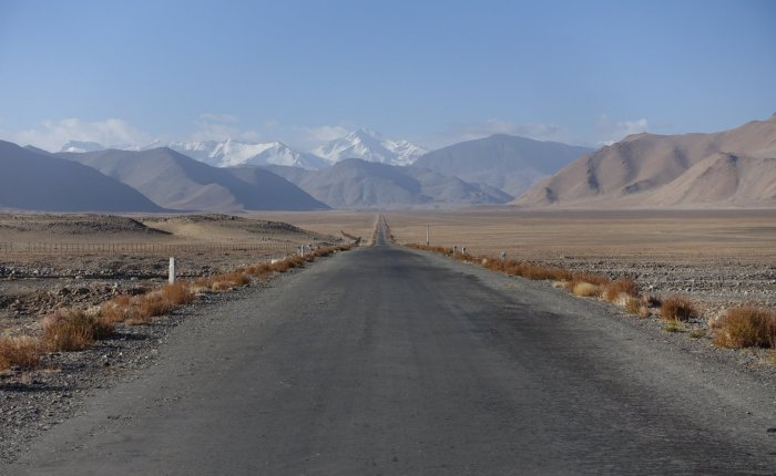 Road trip on the Pamir Highway