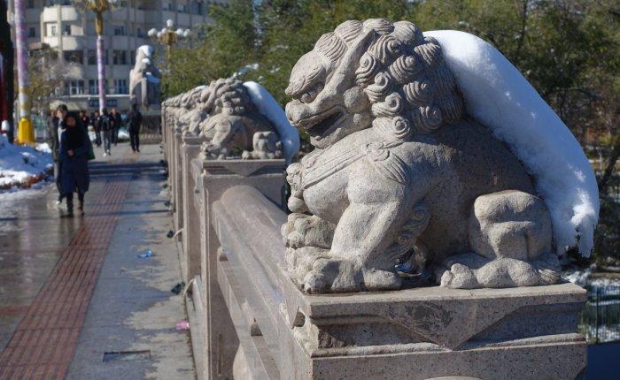 Freak Snowstorm in Urumqi,China